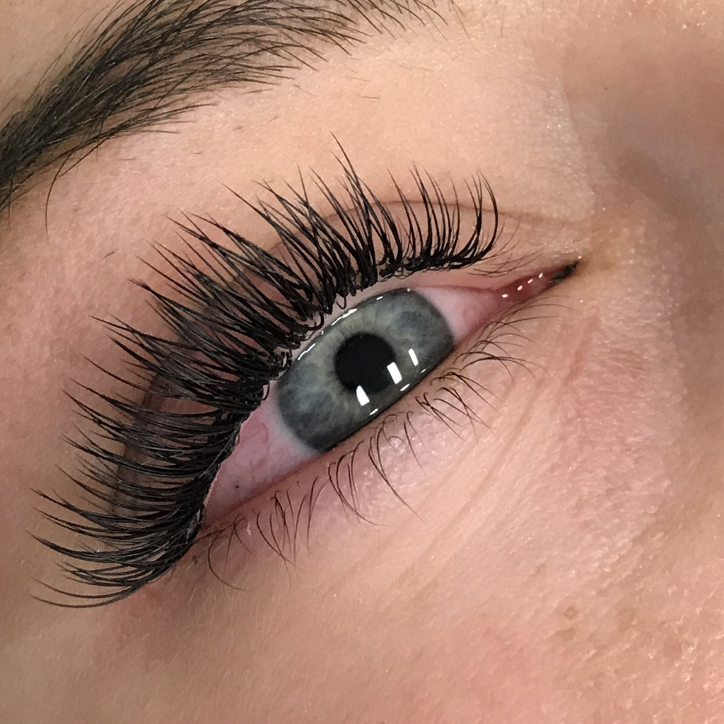 Classic Hybrid And Volume Eyelash Extensions Envy Lash Studio